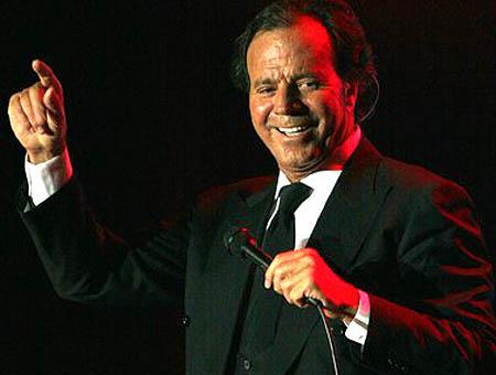 Una empresa turca demanda a Julio Iglesias por cancelar un concierto en Chipre