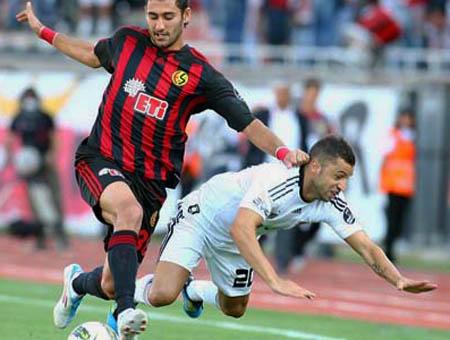 El Beşiktaş no empieza con buen pie y cae en Eskişehir