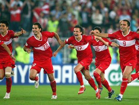 Turquía derrota a Estonia