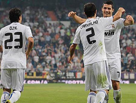 El Madrid deja el trofeo Santiago Bernabéu en casa