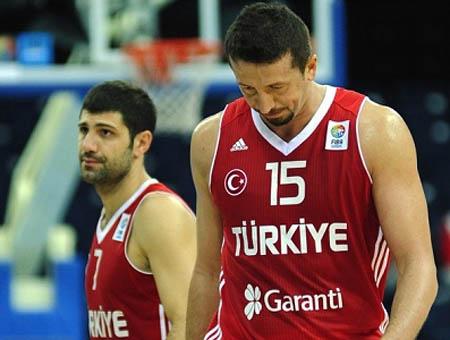 Turquía se despide del Eurobasket con su primera victoria