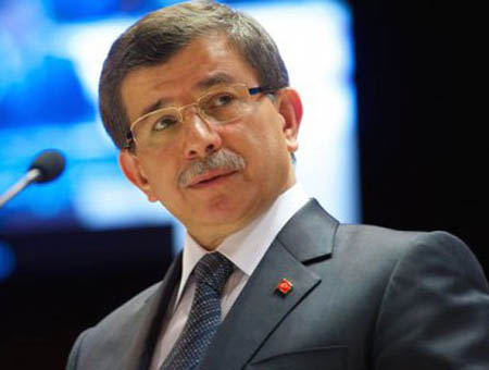 Davutoğlu: ''Turquía sigue viendo a Morsi como el presidente de Egipto''