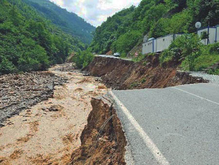2 desaparecidos en Turquía por las inundaciones en la región del Mar Negro