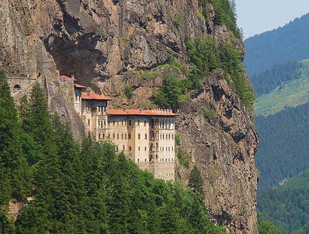 Turquía renovará el monasterio bizantino de Sümela para la UNESCO