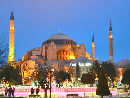 31 millones de turistas han visitado la Santa Sofía de Estambul en 12 años - Hispanatolia