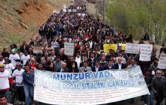Protestas de los ecologistas contra la construcción de nuevos embalses