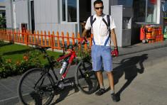 Un turco recorre 7.500 km en bicicleta para sensibilizar sobre el calentamiento global