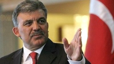 Gül pide diálogo y confianza para elaborar una nueva constitución
