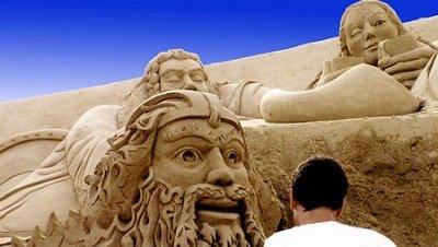 Comienza el festival de esculturas de arena en Antalya