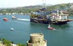 Cientos de barcos protestan en Estambul contra la contaminación del Bósforo