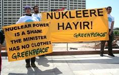 Protesta de Greenpeace en Ankara contra la energía nuclear