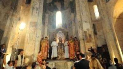 4.000 personas asisten a la primera misa en Akdamar en 95 años
