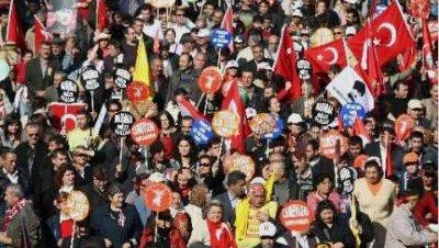 Los alevíes reivindican sus derechos en Estambul