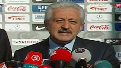 La federación turca de fútbol pospone