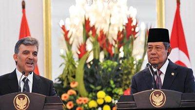 Gül busca fomentar los lazos comerciales entre Turquía e Indonesia