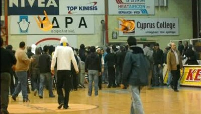 La FIBA sanciona al APOEL de Nicosia por los incidentes en su cancha