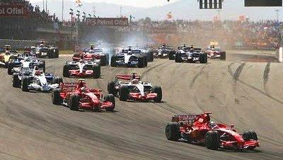 Vettel se impone en el GP de Turquía, Alonso tercero