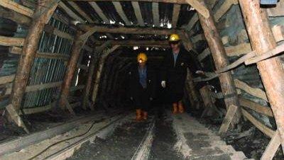 16 mineros atrapados por una explosión en Bursa