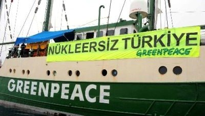 El Rainbow Warrior visita Antalya