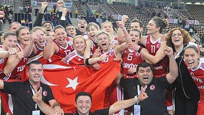 Medalla de plata para la selección femenina de baloncesto de Turquía
