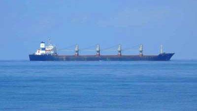 Los piratas somalíes liberan al MV Yasi̇n
