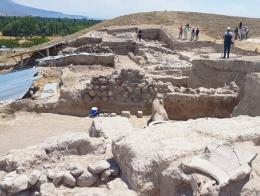 Nigde excavacion arqueologica kinik