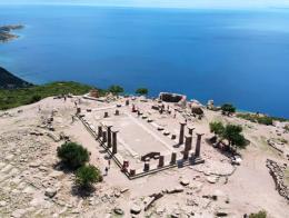 Canakkale ruinas assos templo atenea