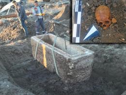 Corum sarcofago esqueleto mujer romana