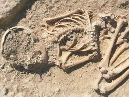 Malatya esqueleto nino yacimiento arslantepe