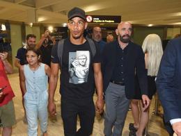 Fernando reges sevilla llegada aeropuerto