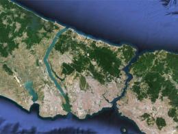 Vista de satélite de la provincia de Estambul con el trazado futuro del canal