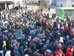 Civiles sirios durante la evacuación del este de Alepo