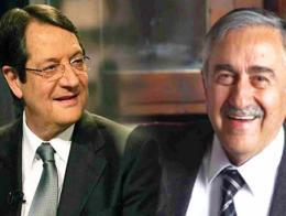 Nikos Anastasiadis (izquierda) y Mustafa Akıncı (derecha)