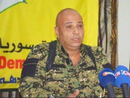 Silo durante su etapa como portavoz de las SDF, antes de huir a Turquía