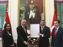Los presidentes de Turquía y Paraguay, acompañados por la embajadora turca en Asunción y el canciller paraguayo
