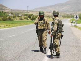 Soldados turcos control