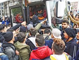Edirne autobuses refugiados europa