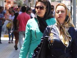 Turistas iraníes en la ciudad turca de Van, en el este del país