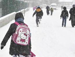 Adana nieve nevadas colegio ninos