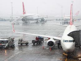 Estambul aeropuerto tormenta tiempo