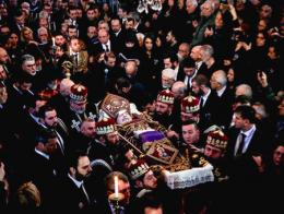 Estambul funeral patriarca armenio mutafyan