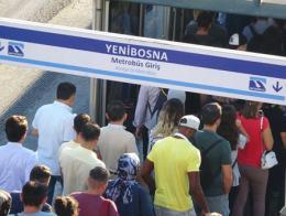Estambul viajeros metrobus