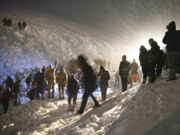 Van rescate minibus avalancha nieve
