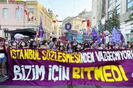 Estambul protesta mujeres retirada convenio violencia genero