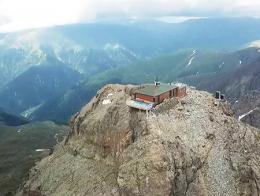 Trabzon mezquita kirklar acantilado