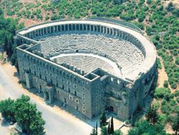 Imagen del teatro romano de Aspendos, situado a las afueras de Antalya y uno de los mejor conservados del mundo