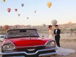 Capadocia turistas boda coche clasico