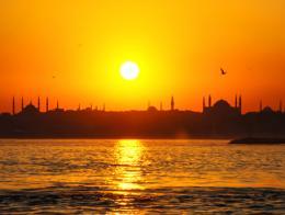 Estambul bosforo puesta sol mezquitas