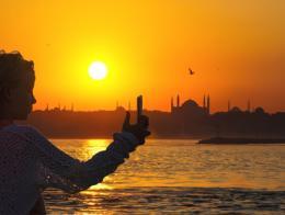 Estambul turismo atardecer selfie