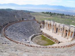 Pamukkale ruinas teatro hierapolis